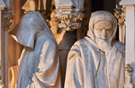Dijon, Herzogspalast. Sluter, Grabmal Philipp: Pleurants, Detail