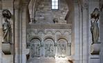 Bamberg. Dom: südl. Chorschranke, westl. Joch, Apostel zwischen Ecclesia und Synagoge
