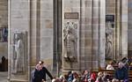 Bamberg. Dom: Blick auf südl. Längsschiffspfeiler mit Bischofsgrabmälern