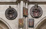 Nürnberg. St. Sebald: Totenschilde im Langhaus