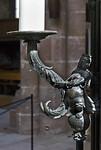 Nürnberg. St. Sebald: Sebaldusgrab, Leuchterweibchen