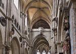 Nürnberg. St. Sebald: Blick auf Engelschor im Westen, vorne Apostel (um 1340)