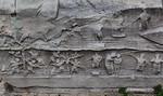 Istanbul, Obelisk im Hippodrom: Nordostseite, unterer Block: Transport und Aufstellung des Obelisken