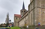 Hildesheim, St. Godehard, Blick längs Nordfassade