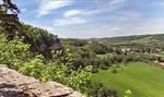 Blick auf Saaletal mit Rudelsburg und Burg Saaleck