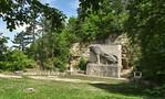 Löwendenkmal des Kösener Burschenschafts-Verbandes bei der Rudelsburg (1926)