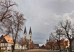 Halberstadt, Dom von Westen, rechts Martinikirche