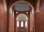 Jerichow, Stiftskirche: Blick aus Vierung in Apsis mit Resten der Originalausmalung