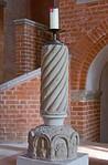 Jerichow, Stiftskirche: Osterleuchter (2. H. 12. Jh.)