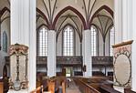 Tangermünde, Stephanskirche, Blick durch Längschiff auf nördl. Seitenschiff mit 2 Epitaphen
