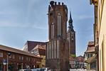 Tangermünde, Hühnerdorfer Torturm mit Stephanskirche dahinter
