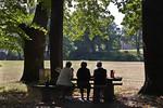 Muskau,Unterpark, Blick von polnischer Seite über Neisse auf neues Schloss