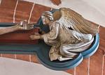 Wechselburg, ehem. Augustinerchorherrenstift. Kreuzigungsgruppe, rechter Engel