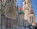 Erfurt, Dom, Ostportal des Triangels mit Blick auf Severikirche