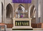 Münster, Dom, Hochaltar im mit vergoldeten Aposteln und Heiligen (14. Jh.)